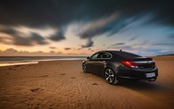 test4_opel-black-car-rear-view-coast_1920x1200.jpg