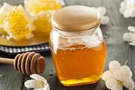 honeygarden_organic-honey-vs-regular-honey.jpg